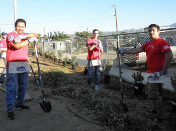 lowes_heros_prog_volunteers1